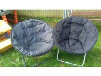 2 black chairs