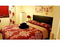 GLASGOW, DAILY- WEEKLY - MONTHLY LET! DOUBLE / TWIN / TRIPLE LUXURY ROOMS - FREE WI FI - SHORT TERM