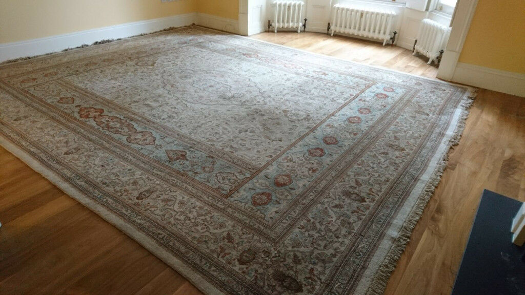 Large Chinese Woollen Carpet 364x450cm