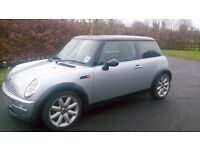 2002 Mini Cooper - 1600cc automatic, CD player, leather trim - 12 months MOT