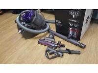 DYSON DC19T2 ANIMAL BAGLESS HOOVER WITH TOOLS TOP CONDITION