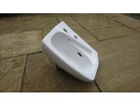 """FREE TO COLLECT small cloakroom basin 14"""" x 11"""""""
