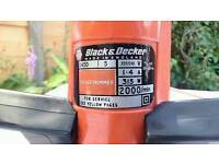 Black & Decker - Hedge Trimmer - 30CM Blades