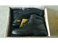 Steel toe work boots ( SIZE 10 )