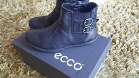 ECCO leather girl boots, size 27EU