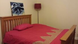 LARGE DOUBLE FURNISHED ROOM TO LET IN LARGE CLEAN AND TIDY HOUSE IN WEMBLEY.***ALL BILLS INC***