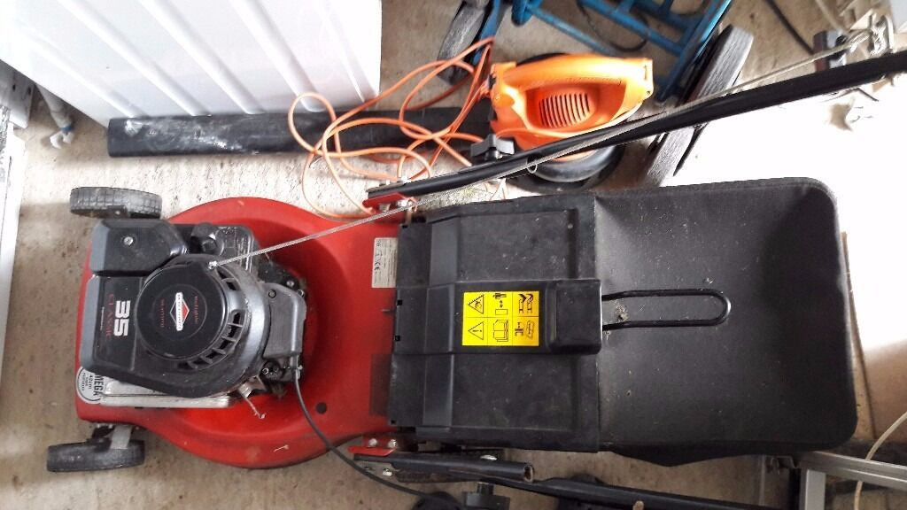 **PERTOL LAWNMOWER**SPARES OR REPAIR**BRIGGS AND STRATTON**ONLY JUST STOPPED WORKING**