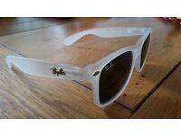 Rayban wayfarer sunglasses - lovely style
