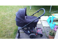 Mamas and Papas Glide travel system