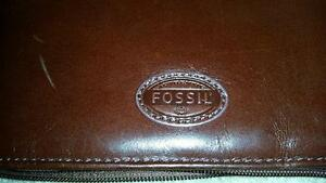 "Fossil Tablet Case  fit 9""and 10"" Tablets (Like new)"