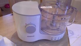 Kenwood Food Processor Model FP120 in white as shown, used once and decided it wasn't for me.