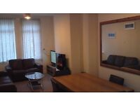DOUBLE BEDROOM IN SERVICED TOWNHOUSE CLOSE TO CITY CENTRE
