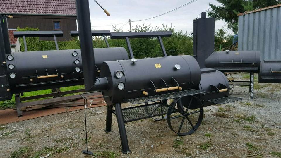 24 Zoll BBQ Smoker mieten Verleih Gastro Event Grill Party in Burkau