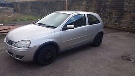2005 Silver Vauxhall Corsa 1.2 litre 12 Months MOT and Full Service. 98,000 miles