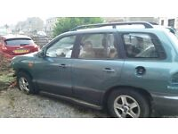 Hyundai Santa Fe. Breaking for spares