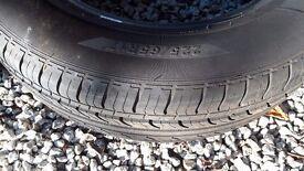 Tyre 225 65 17