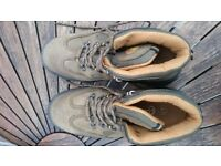 Steel Toe Cap boots Size 41. Brown nubuck as new condition. Make EP