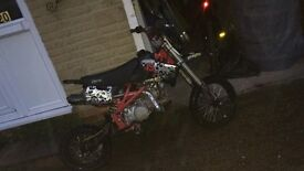 STOMP 140cc Pit Bike (NEEDS NEW CARB)