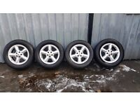 """Genuine 18"""" Range Rover / Land Rover Alloys with Goodyear Tyres"""
