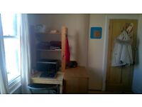 Large, sunny, single, furnished room. Quiet street, Totterdown. £415pcm (all utility bills incl)