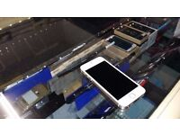 << WITH RECEIPT >> iPhone 5S 16GB Gold/White on EE, Virgin & T-Mobile