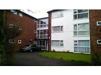 54sq mtr apartment in Sale. One Bed+Two bed or Study convenient road and tram links and Sale centre