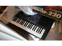 Yamaha PSR -220 Keyboard for Sale
