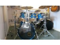 Pearl ELX Export Series 6-piece Fusion Drum Kit in Blue Mist lacquer finish.