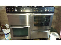 New World Range/ Double Oven. Electric and gas