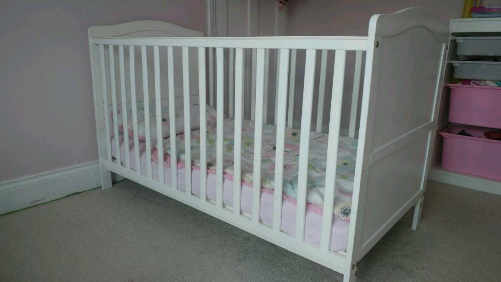 Cambridge cot bed