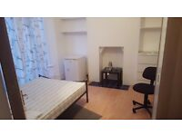 Large fully furnished double room in Lewisham