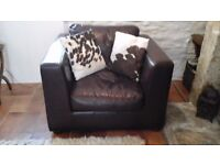 "2 Tretrad ""Seattle"" Leather Armchairs"