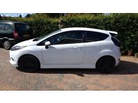 Ford fiesta zetec s, white in good condition. m o t November