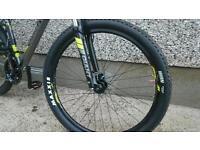 Giant talon 4 mountain bike