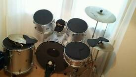 Sonor Force 505 Silver 5 piece drum kit