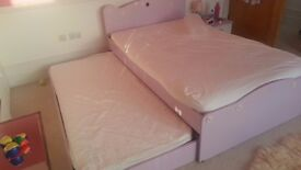 Childrens Pink bed with sleepover pullout bed