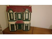 1930s Dolls House, fair condition, restoration project