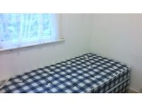 SINGLE ROOM AVAILABLE NOW TO RENT IN NEWLY DECORATED HOUSE IN NORTH LONDON