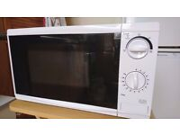 Tesco's Microwave 700 watts -9 months old.