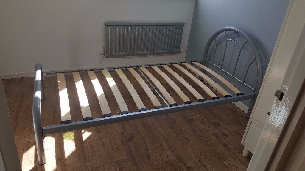 Metal Bed 6' x 3' (Mattress Included)