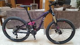 2016 Giant Liv Intrigue 1 Enduro, All Mountain, Full Suspension Mountainbike XS Immaculate Condition