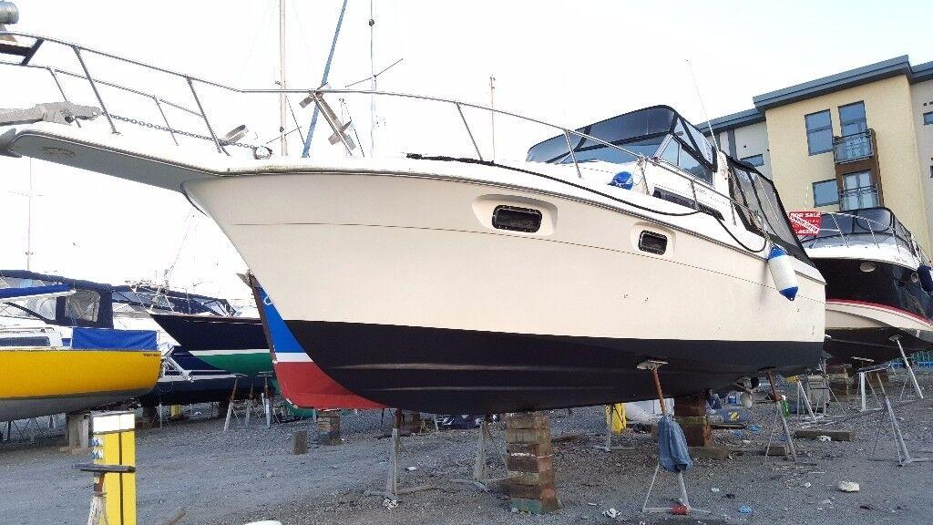 Cruiser international 292 twin desial engines