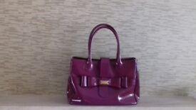 Latent Lk BenetT handbag nice condition