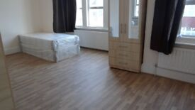double room in manor house £780 pcm all bills included