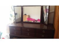 Beautiful mahogany Stag Minstrel dresser in good condition