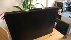 Black A2 portfolio case + wallets