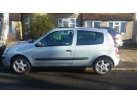 Renault Clio 2004 for sale.