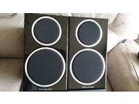 Wharfedale Diamond 220 Bookshelf Speakers New in original packaging and box