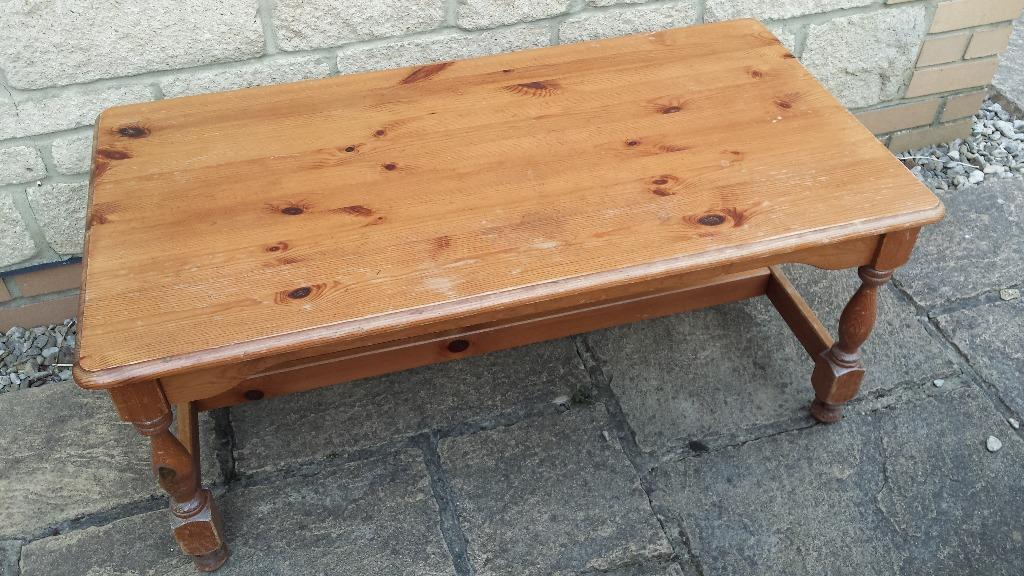 Wooden coffee table in bradley stoke bristol gumtree for Coffee tables gumtree