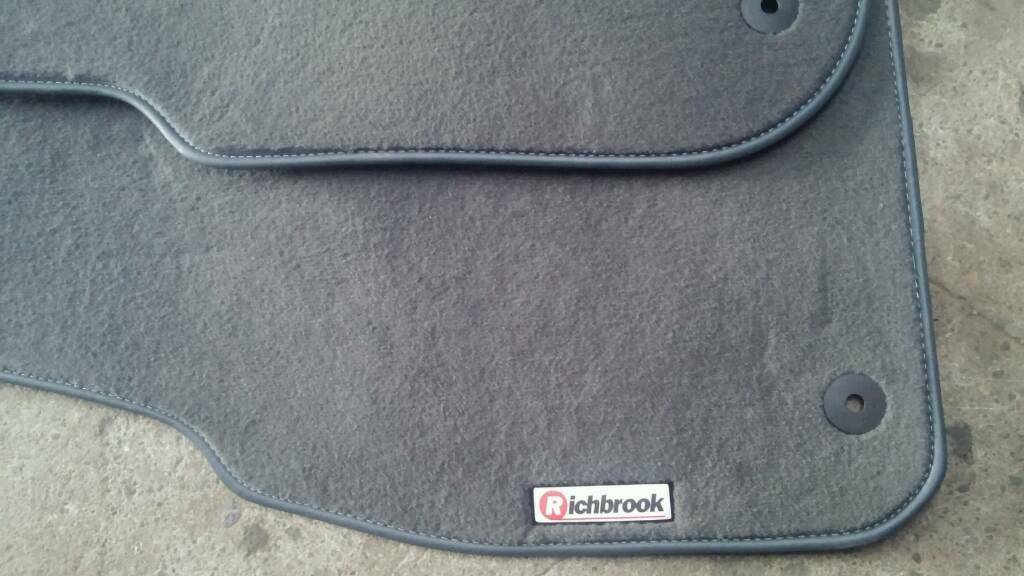 Audi A6 C5 Floor Mats In Fyvie Aberdeenshire Gumtree